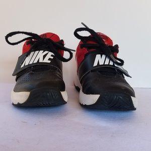 Nike Team Hustle D 8 Red Kids Shoe